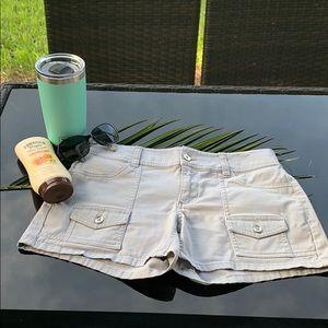 🌤New York & Company Casual Shorts -